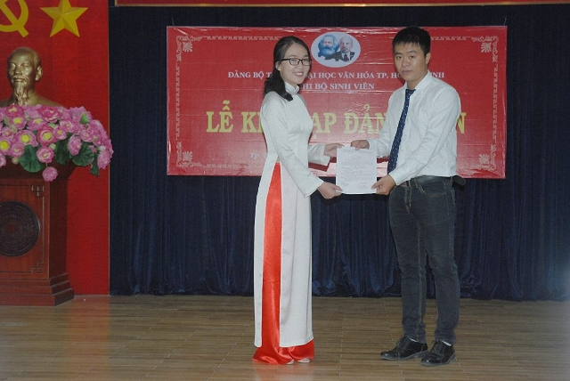 Phát triển đảng trong hệ thống các trường đại học, cao đẳng, trung học chuyên nghiệp tại Thành phố Hồ Chí Minh