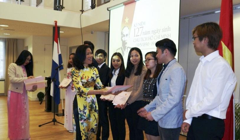 Kỷ niệm 127 năm Ngày sinh Chủ tịch Hồ Chí Minh tại Hà Lan