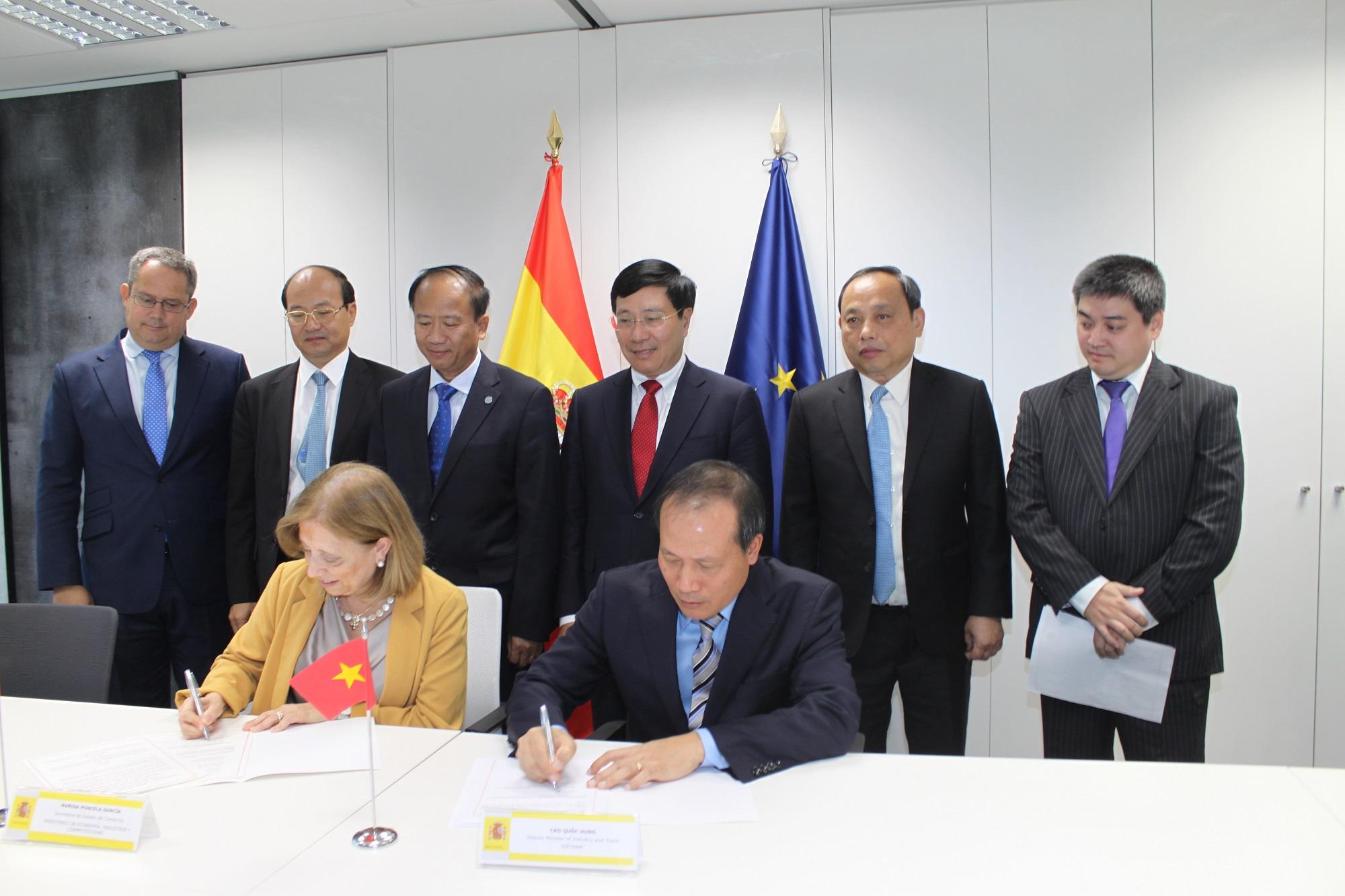 Phó Thủ tướng Phạm Bình Minh chủ trì Diễn đàn kinh tế Việt Nam – Tây Ban Nha