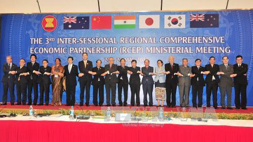 Hội nghị Bộ trưởng giữa kì lần thứ 3 Hiệp định đối tác kinh tế toàn diện khu vực