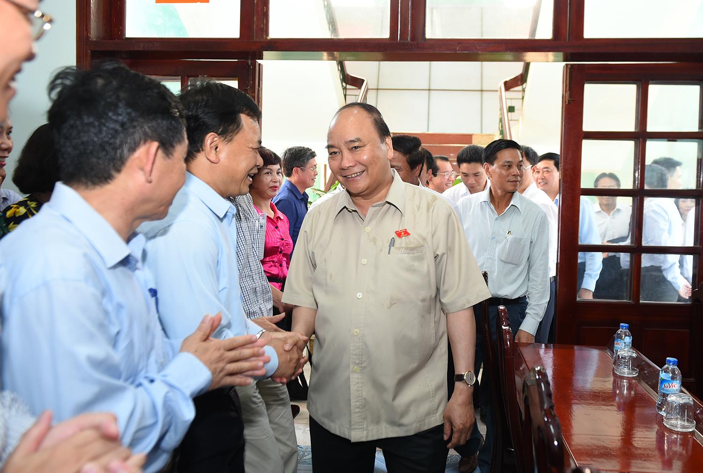 Thủ tướng Nguyễn Xuân Phúc: Cấp ủy, chính quyền cơ sở phải coi nhiệm vụ phục vụ nhân dân là quan trọng nhất