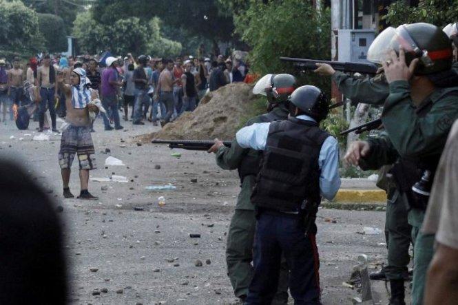 Venezuela bắt giữ hàng chục phần tử khủng bố