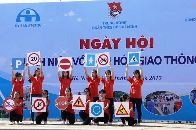 Ngày hội Thanh niên với văn hóa giao thông năm 2017