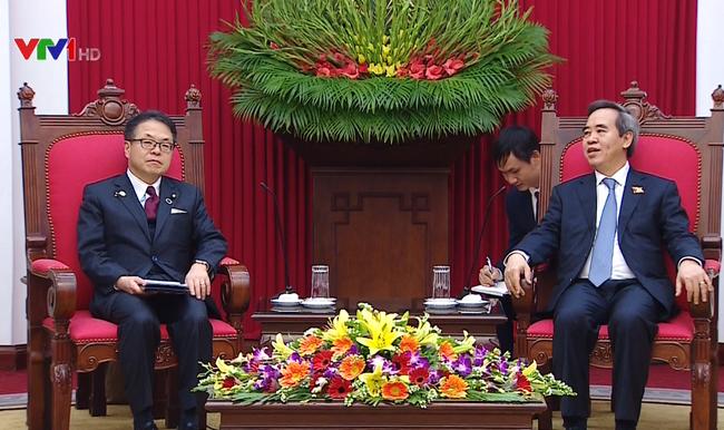 Trưởng Ban Kinh tế Trung ương tiếp Bộ trưởng Bộ Kinh tế, Thương mại và Công nghiệp Nhật Bản