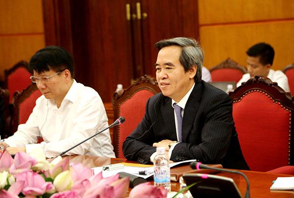 Đồng chí Nguyễn Văn Bình tiếp Đoàn đại biểu cấp cao Tiểu ban Dược của Hiệp hội các doanh nghiệp châu Âu