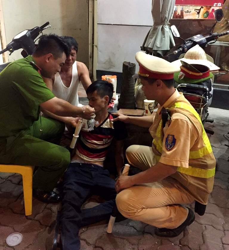 Hà Nội: Bị lừa sang Trung Quốc, nam thanh niên may mắn được giúp đỡ