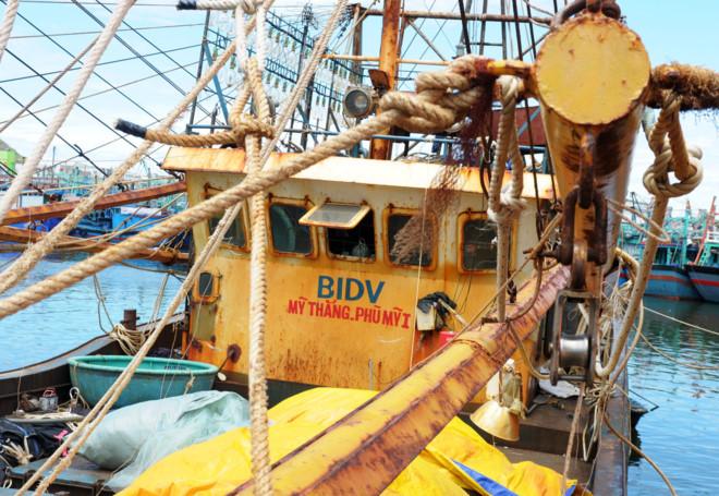 Bình Định: Khắc phục hậu quả 17 tàu vỏ thép bị hư hỏng