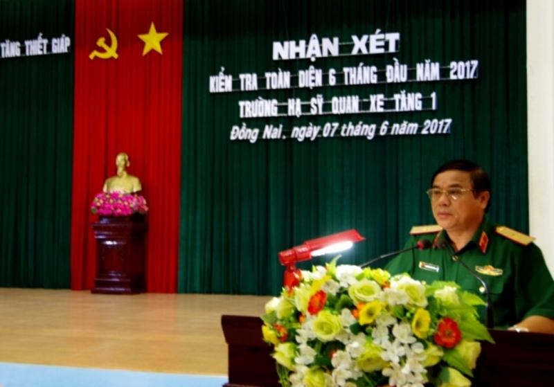 Bộ Tư lệnh Tăng thiết giáp kiểm tra toàn diện Trường hạ sĩ quan xe tăng 1