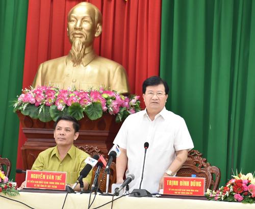Phó Thủ tướng Trịnh Đình Dũng làm việc về xây dựng kết cấu hạ tầng giao thông đồng bằng sông Cửu Long