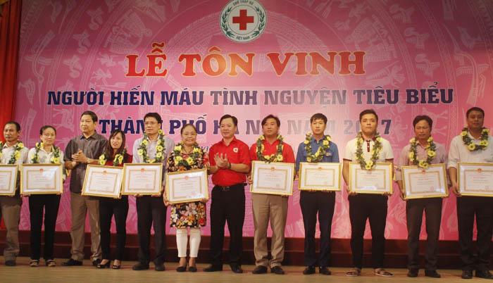 Chàng Bí thư đoàn thanh niên 30 lần hiến máu cứu người
