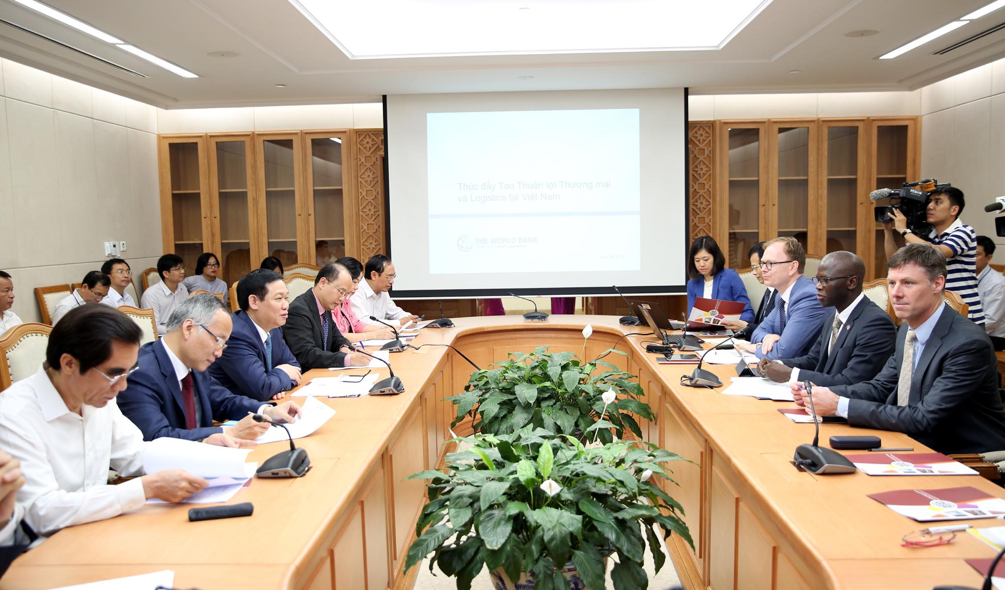 Phó Thủ tướng Vương Đình Huệ làm việc với WB tại Việt Nam