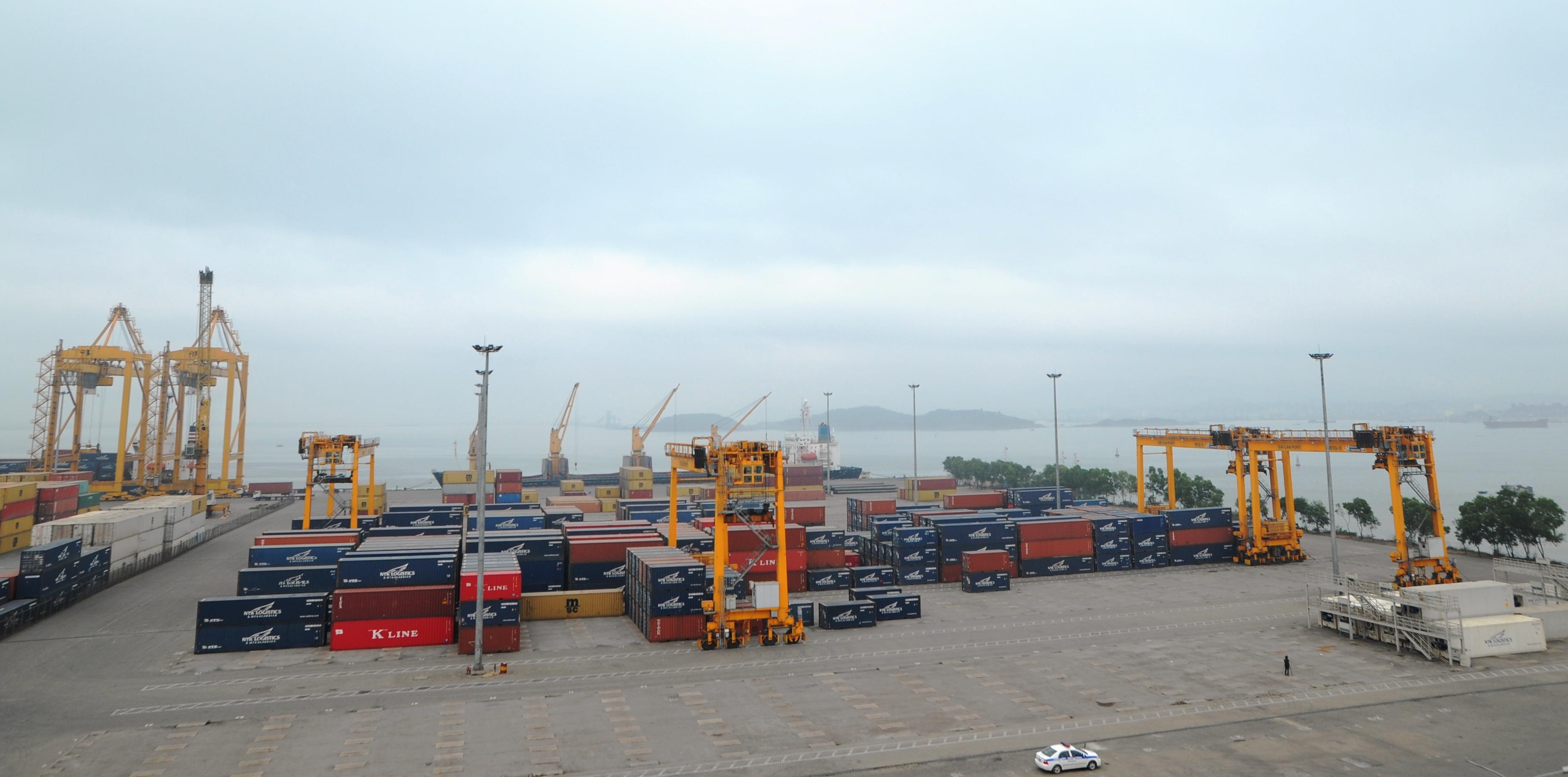 Kim ngạch xuất nhập khẩu hàng hoá của Việt Nam ước đạt gần 198,25 tỷ USD trong 6 tháng đầu năm