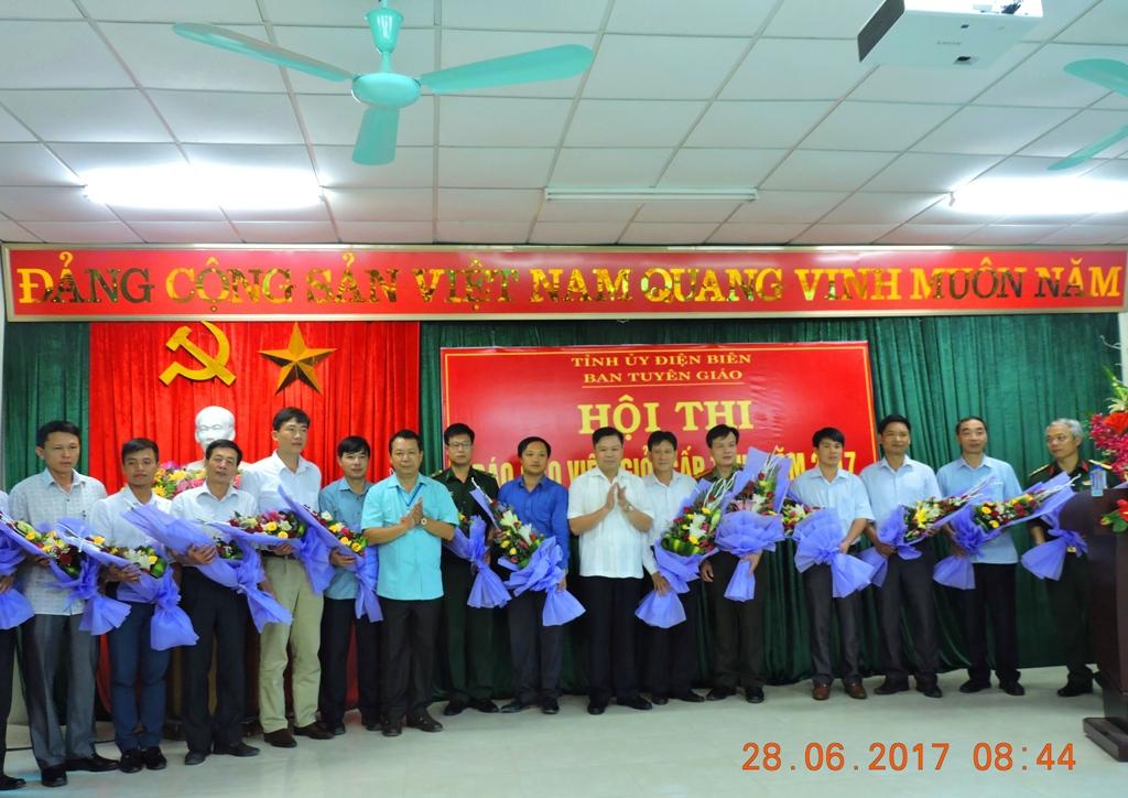 Điện Biên: Hội thi Báo cáo viên giỏi năm 2017