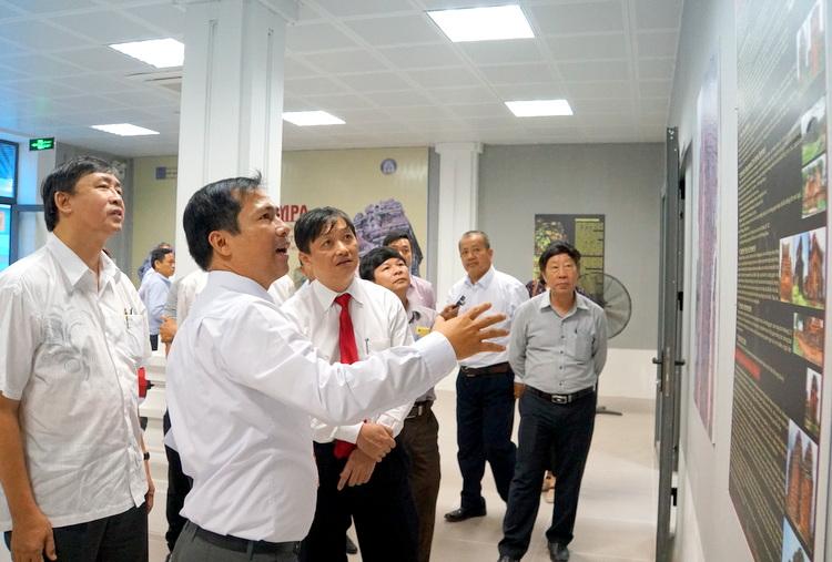 """Trưng bày Công trình nghiên cứu """"Kiến trúc Champa- Đền tháp tại miền Trung Việt Nam"""""""