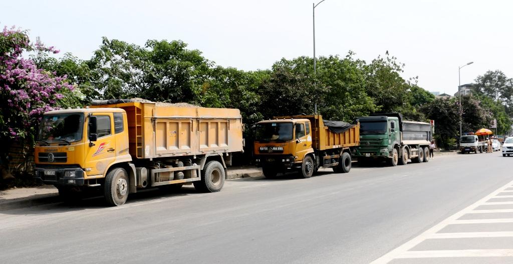Hà Nội chủ động ngăn chặn tình trạng xe tải chở vật liệu, gây ô nhiễm môi trường