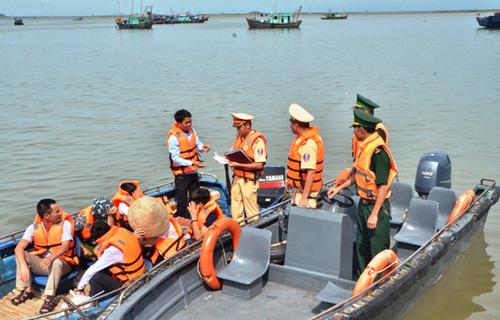 Bảo đảm an toàn giao thông đường thủy gắn liền với phát triển du lịch biển