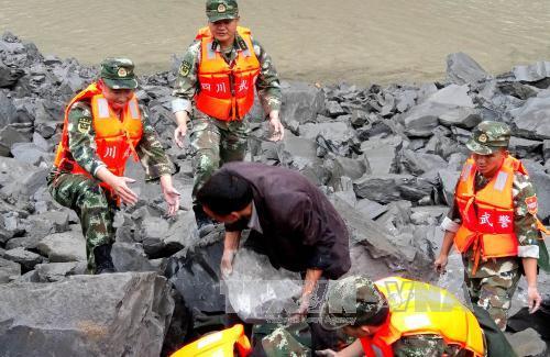 Vụ lở đất tại Trung Quốc: Tìm thấy nhiều thi thể - Nâng mức cảnh báo thảm họa địa chất