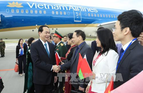 Chủ tịch nước Trần Đại Quang và Phu nhân bắt đầu chuyến thăm chính thức Cộng hòa Belarus