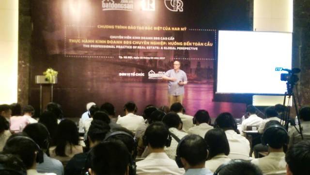 Hợp tác đào tạo Việt Nam – Hoa Kỳ về môi giới bất động sản