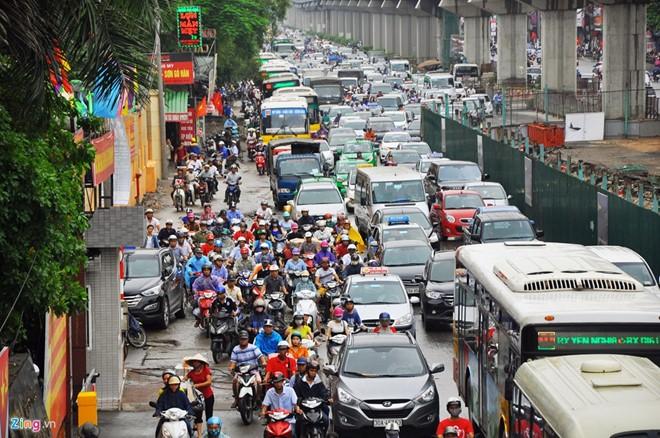 Hà Nội cần làm gì để giảm ùn tắc giao thông đô thị?