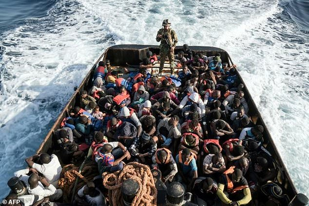 Gần 9.000 người di cư được cứu sống chỉ trong 48 giờ