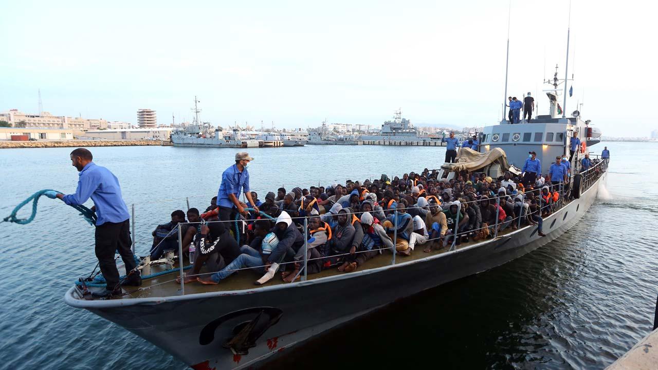 Vẫn chưa tìm thấy gần 130 người di cư mất tích ở ngoài khơi Libya