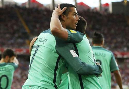 Bồ Đào Nha đặt một chân vào bán kết Confederations Cup