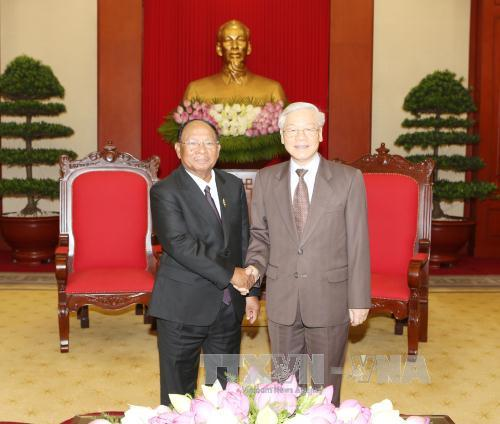 Tổng Bí thư Nguyễn Phú Trọng tiếp Đoàn đại biểu cấp cao Campuchia