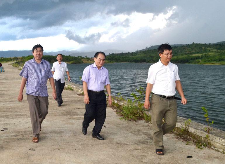 Phú Yên khắc phục tình trạng nước rò rỉ ở hồ chứa La Bách