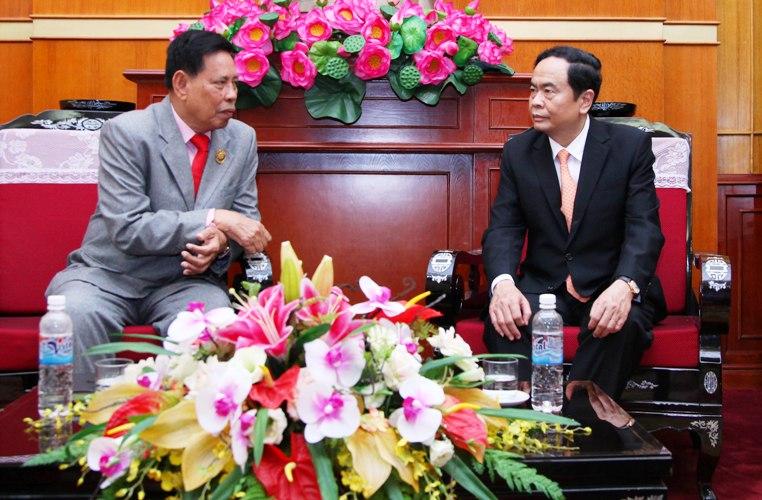 Tăng cường phát triển tình hữu nghị giữa Mặt trận hai nước Việt Nam - Campuchia