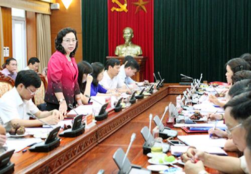 Khảo sát việc thực hiện Nghị quyết số 11-NQ/TW của Bộ Chính trị (khóa X) về công tác phụ nữ tại Hà Nội