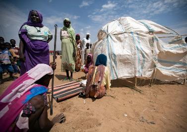 Sudan: Mưa lũ phá hủy hơn 1.000 căn nhà ở trại tị nạn
