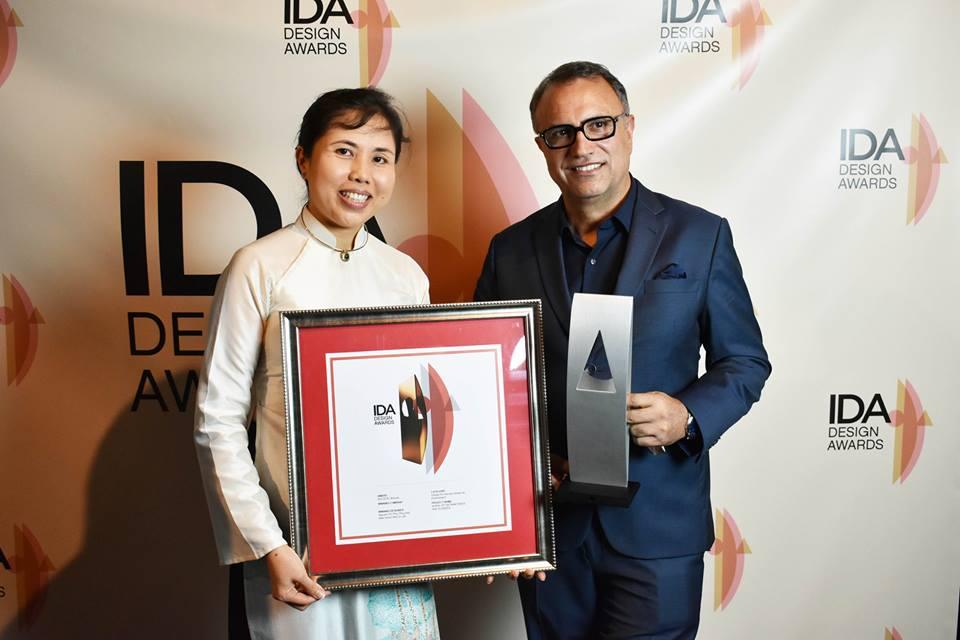 Họa sĩ Nguyễn Thu Thủy nhận giải thiết kế quốc tế