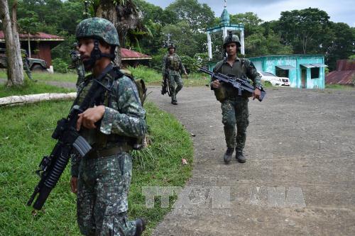 Quân đội Philippines đẩy lùi vụ tấn công và bắt giữ con tin tại trường học