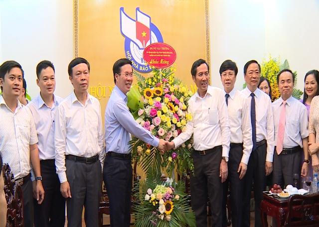 Đồng chí Võ Văn Thưởng thăm, chúc mừng Hội Nhà báo Việt Nam và báo Nhi đồng