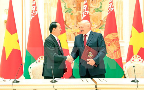 Chủ tịch nước Trần Đại Quang lên đường thăm chính thức Liên bang Nga