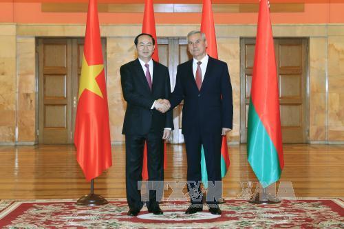 Chủ tịch nước Trần Đại Quang hội kiến Chủ tịch Viện Đại biểu Quốc hội Belarus