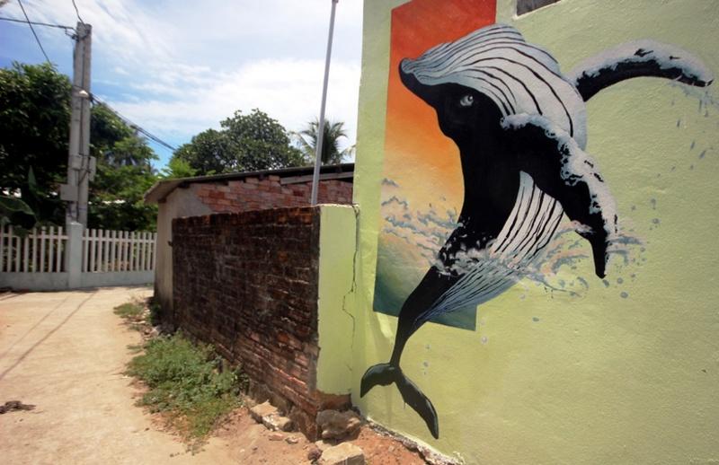 Chuyển tải thông điệp bảo vệ môi trường biển, đảo qua tranh bích họa