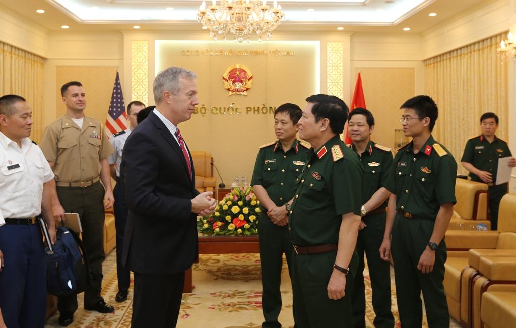 Đại tướng Ngô Xuân Lịch tiếp Đại sứ Hoa Kỳ tại Việt Nam