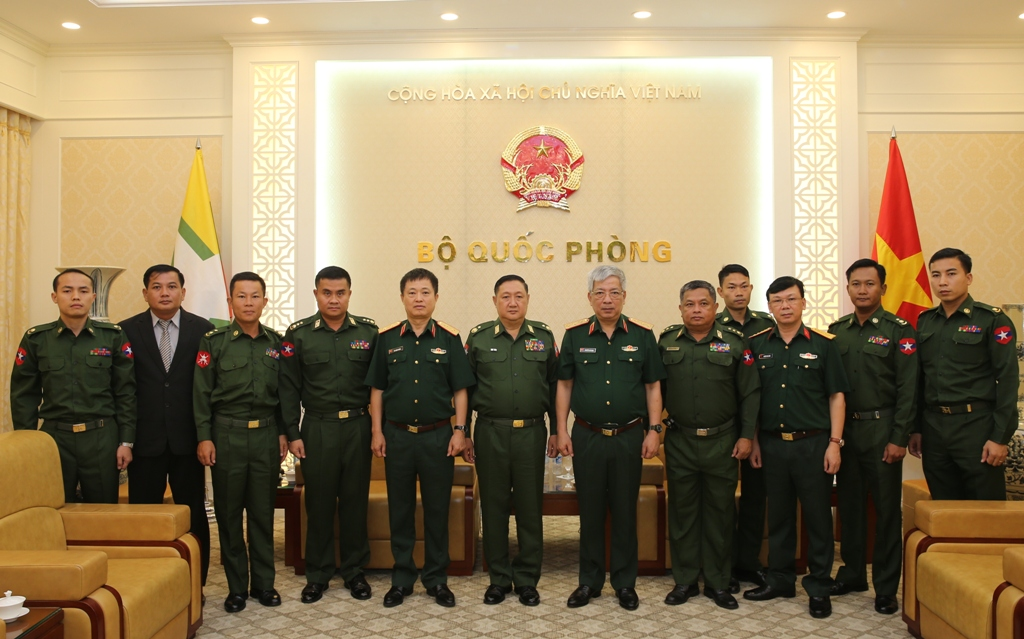 Thượng tướng Nguyễn Chí Vịnh tiếp Phó Tổng cục trưởng Tổng cục An ninh – Quân sự Mi-an-ma