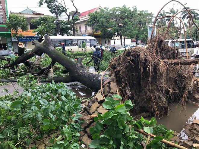 Cơn bão số 2 đã làm 10 người bị chết, 3 người mất tích