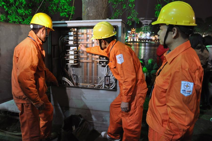 Tập đoàn Điện lực Việt Nam khẩn trương khắc phục bão số 2
