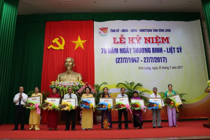 Vĩnh Long kỷ niệm 70 năm Ngày Thương binh Liệt sĩ