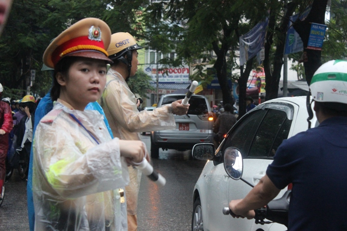 Tăng cường bảo đảm an toàn giao thông trong mùa mưa bão