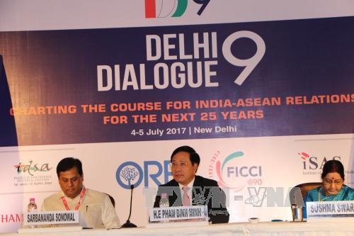 Phó Thủ tướng Phạm Bình Minh tham dự Bàn tròn doanh nghiệp Việt Nam - Ấn Độ