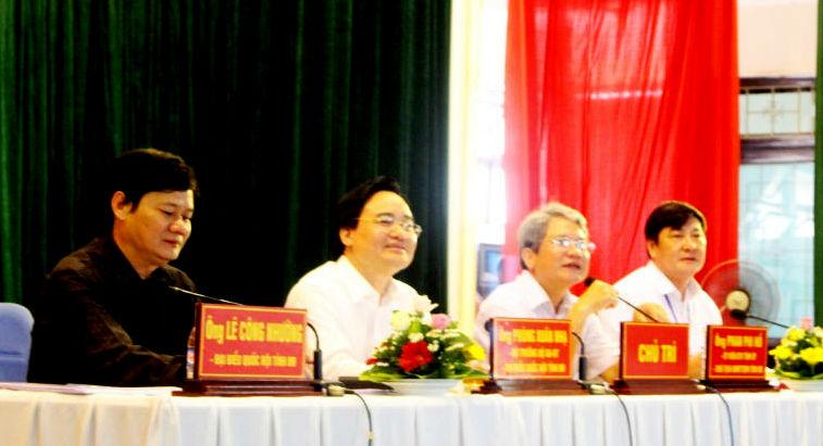 Bộ trưởng Bộ Giáo dục và Đào tạo tiếp xúc cử tri tại Trường Đại học Quy Nhơn