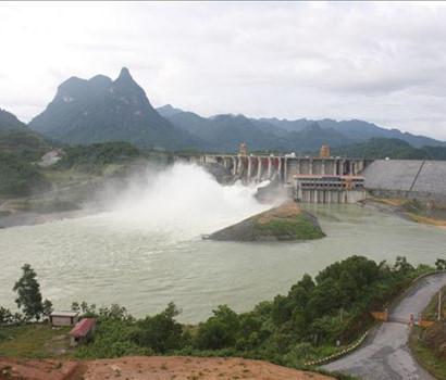 Nhà máy thủy điện Tuyên Quang mở cửa xả lũ để ứng phó với mưa lớn