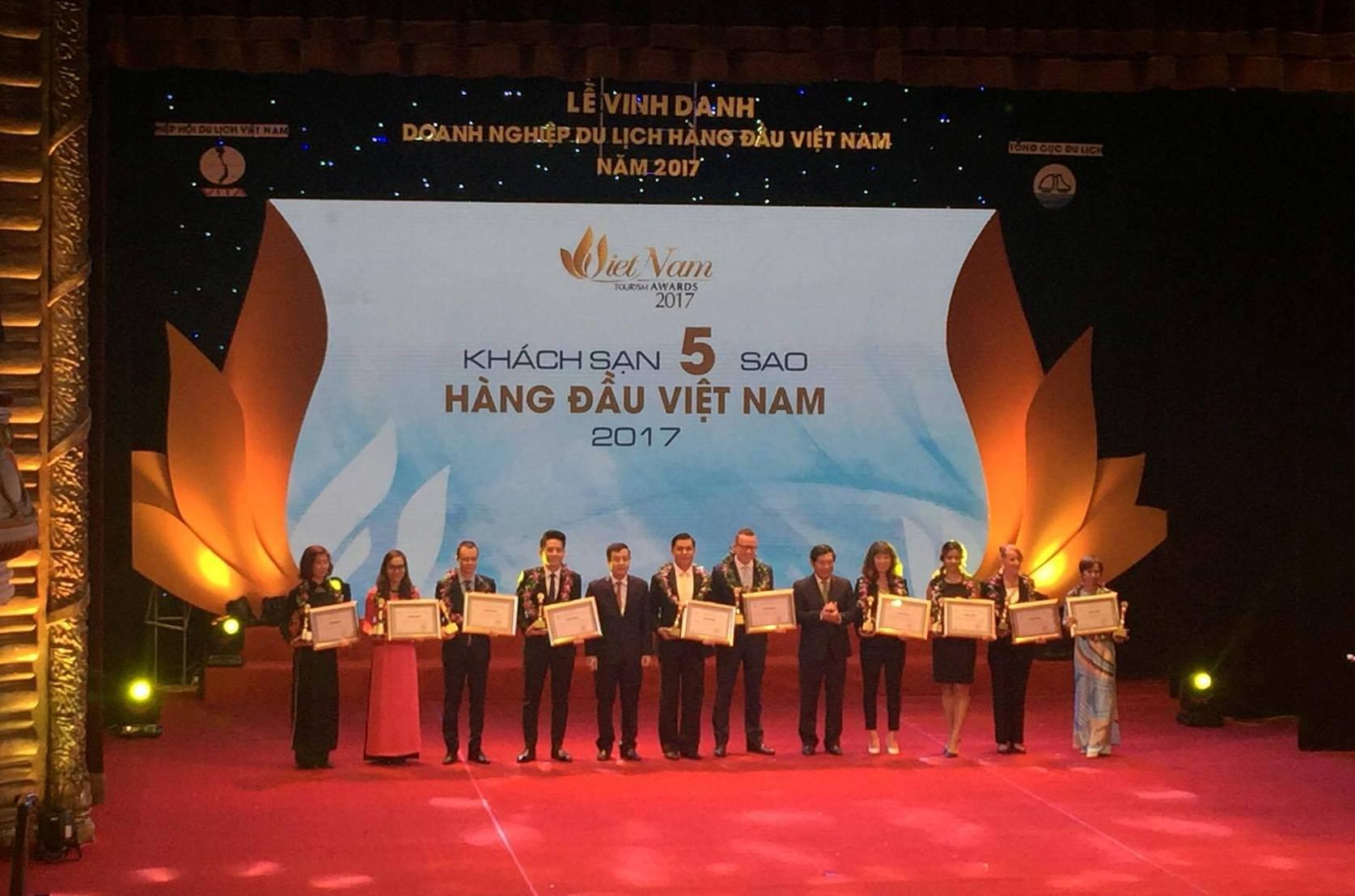 Vinh danh 91 doanh nghiệp du lịch hàng đầu Việt Nam năm 2017