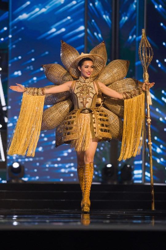Thi thiết kế quốc phục cho Hoa hậu Hoàn vũ Việt Nam 2017