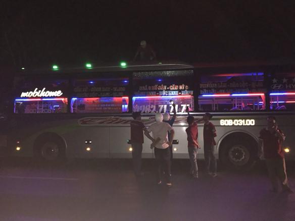 Điều tra, xử lý hành vi ném đá xe khách tại tỉnh Đắk Lắk